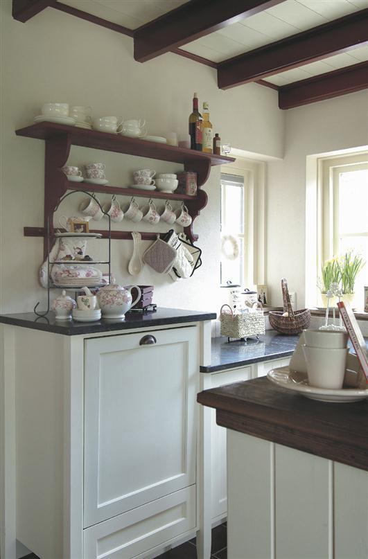 Landelijke witte keuken