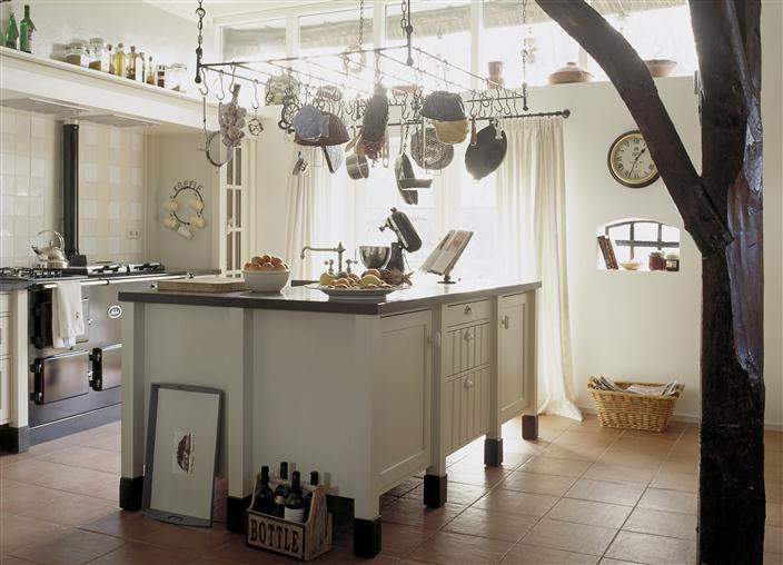 Houten keuken wit