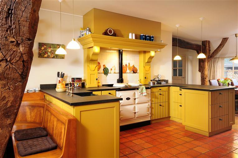 Gele Keuken 9 : Landelijke keukens eco keukens