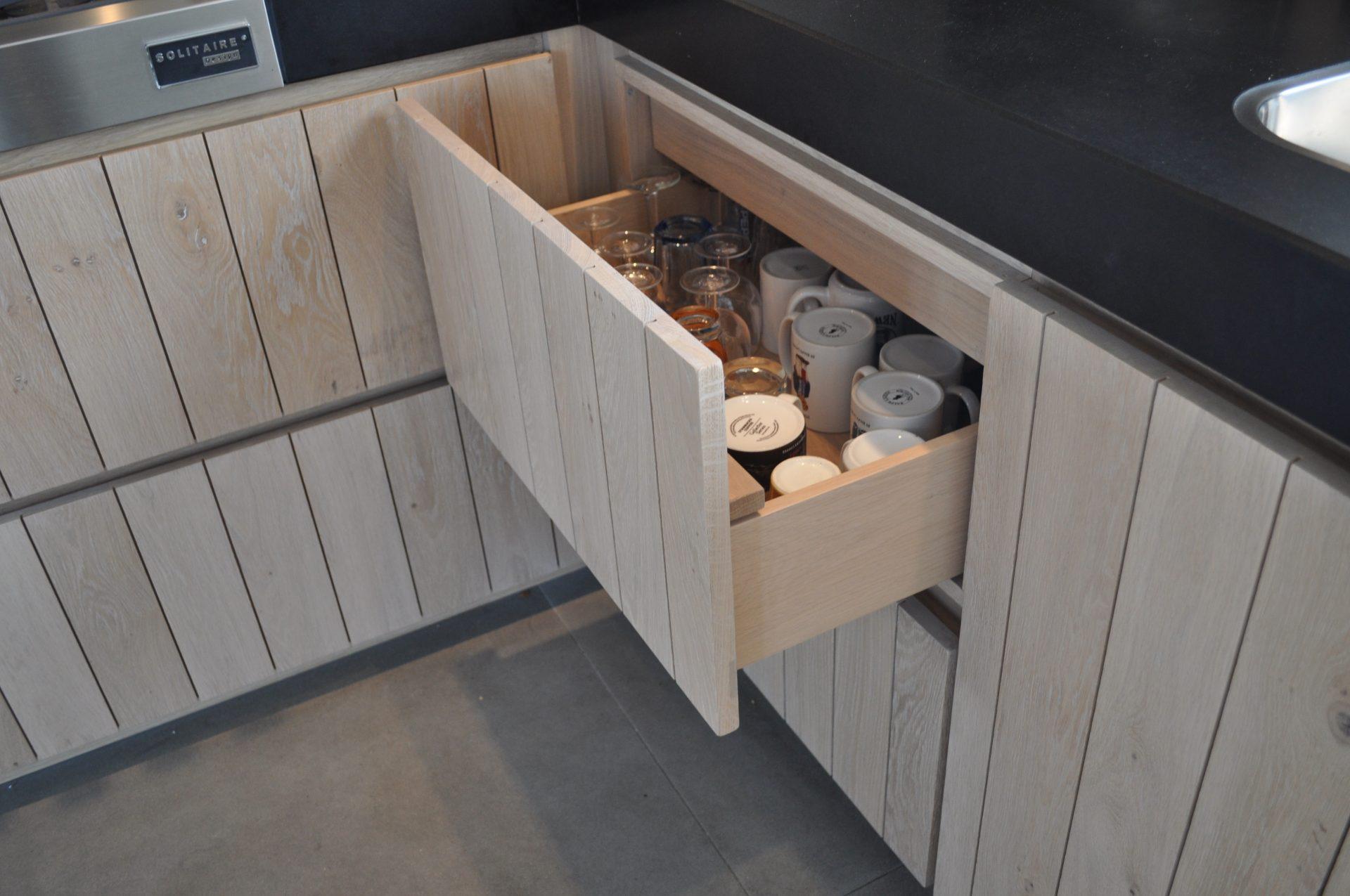 Moderne Nederlandse Keuken : Ontdek de moderne keukens van eco keukens met onze voorbeelden!